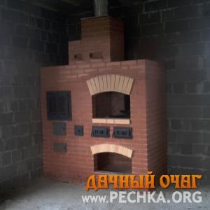 Фото Небольшой барбекю-комплекс с плитой-духовкой
