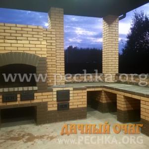 Угловой барбекю-комплекс из пустотелого кирпича, фото 1