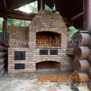 Угловой барбекю-комплекс из гиперпрессованного кирпича, фото 2