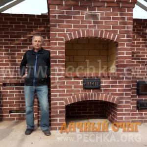 Барбекю-комплекс из кирпича ручной формовки