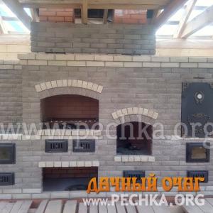 Барбекю-комплекс с камином и коптильней, фото 1