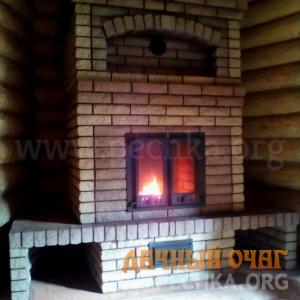 Закрытый камин с дверкой, фото 1